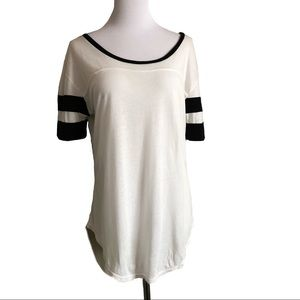 Brandy Melville Black and White Oversized Tee
